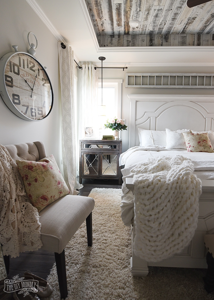 Modern Farmhouse Bedroom Decorating Ideas: Modern-Farmhouse-French-Country-Master-Bedroom