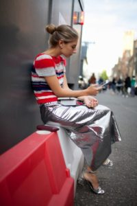 This tin foil metallic skirt is SO COOL! I never thought something like this could be pulled off so brilliantly!