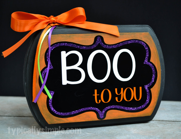 DIY Boo to You Halloween Sign Decor