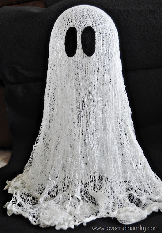 Easy and Cheap DIY Ghost Halloween Decor