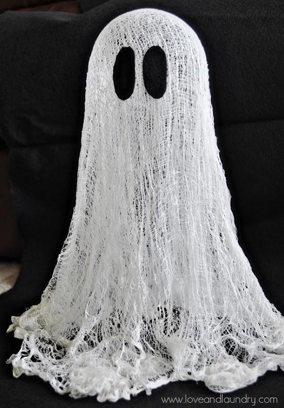 Easy and Cheap DIY Ghost Halloween Decor