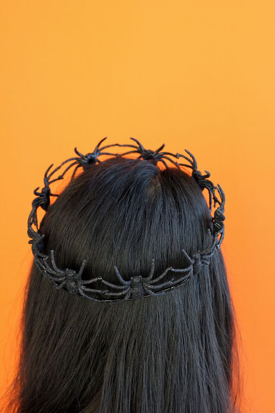 DIY Pumpkin Spider Crown Party Costume Idea