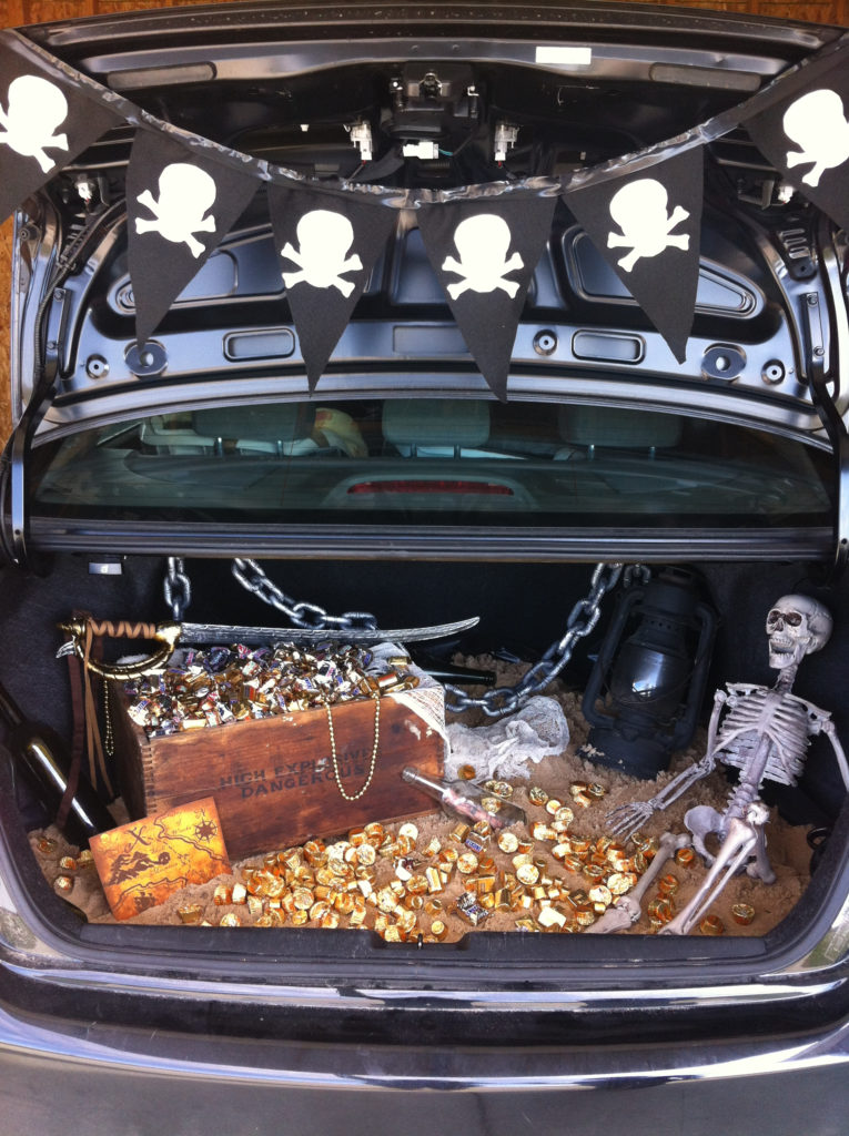 Pirate's Treasure Trunk or Treat Idea