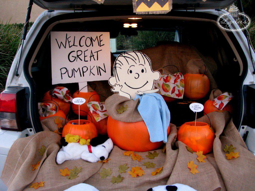 Great Pumpkin Charlie Brown Trunk or Treat Idea