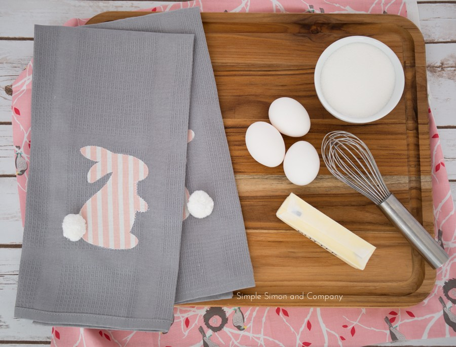 This Easter bunny linen cloth is GENIUS!