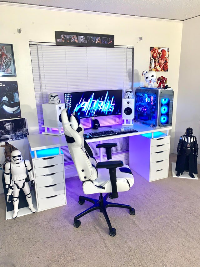 White Video Game PC Room