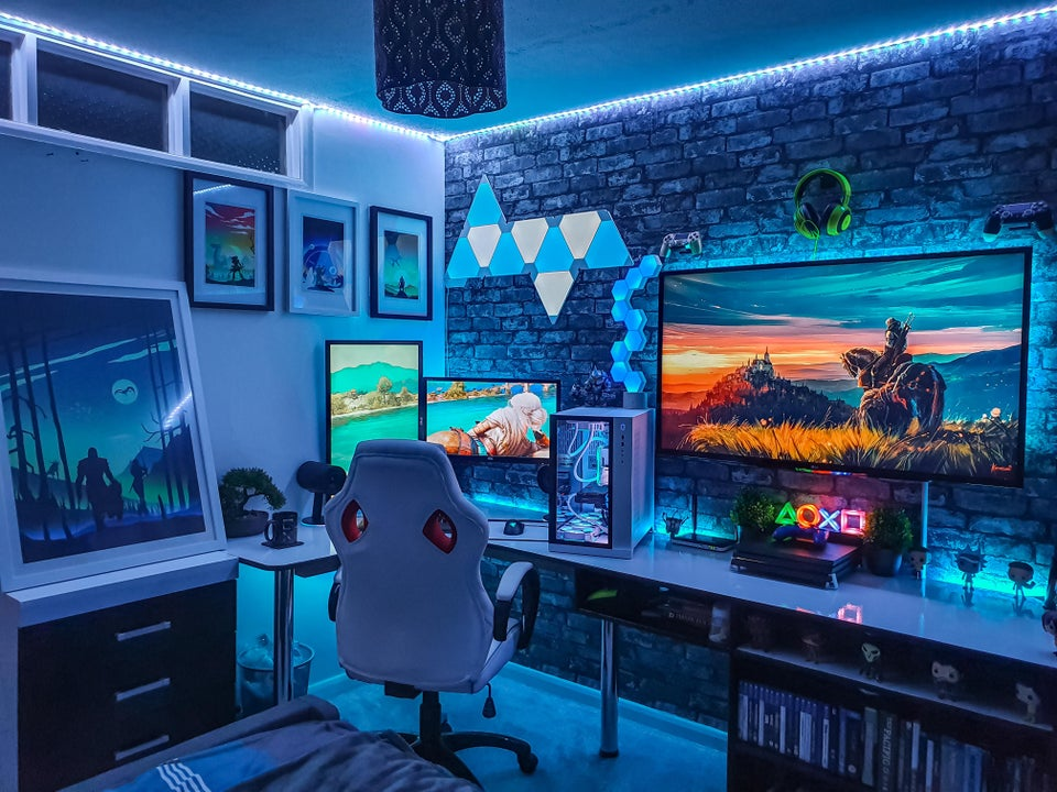 White RGB PC Gaming Room With TV