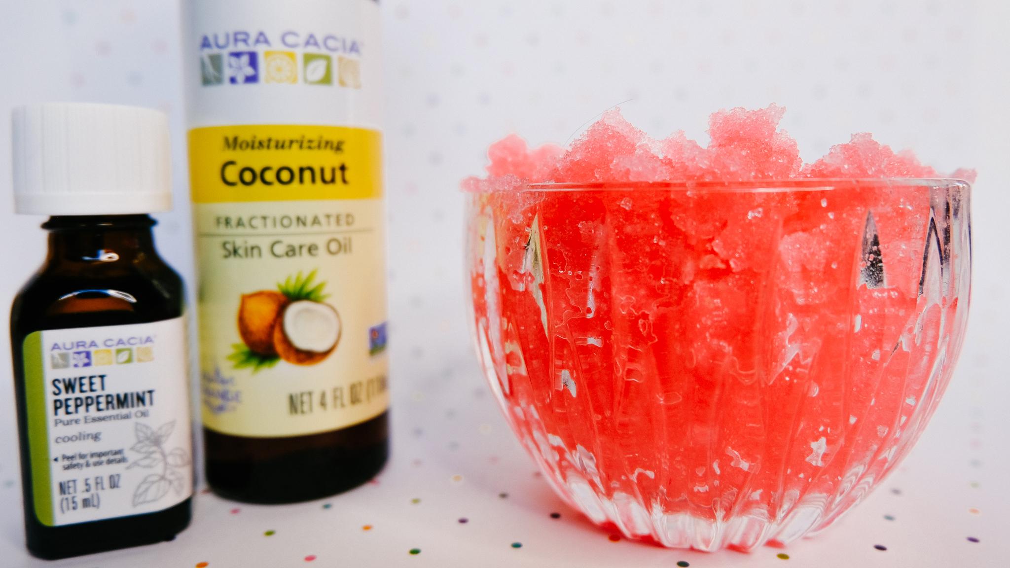 Moisturizing DIY Peppermint Sugar Scrub