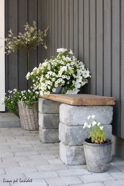 DIY Stone Bench for your Backyard
