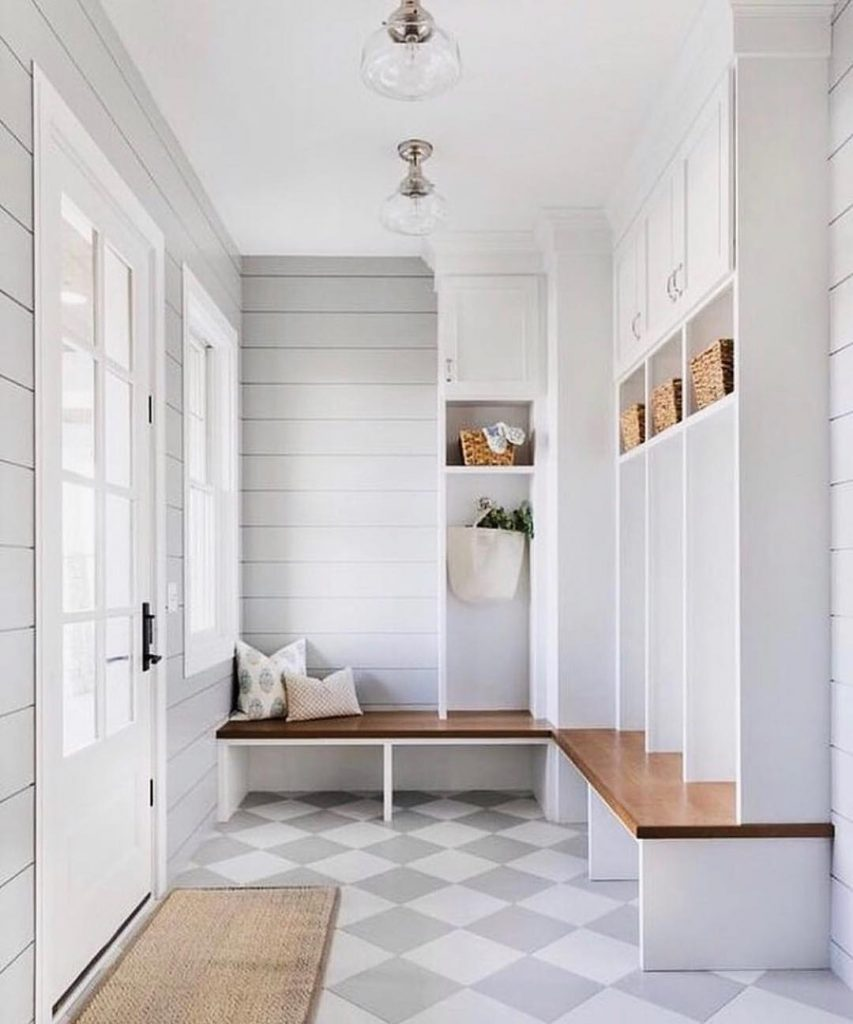 Minimalist Mudroom Entryway Idea