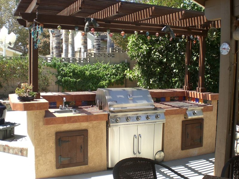 Outdoor BBQ Kitchen DIY