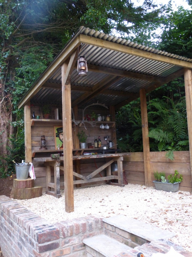 Sandy Beach Outdoor Bar for Your Backyard