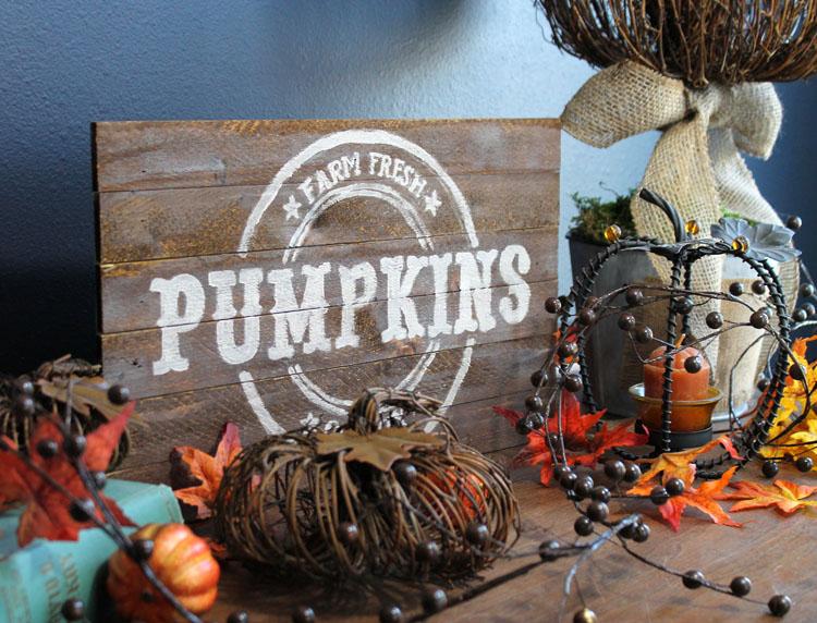 DIY Pallet Wood Vintage Pumpkin Sign | Rustic Fall Decor