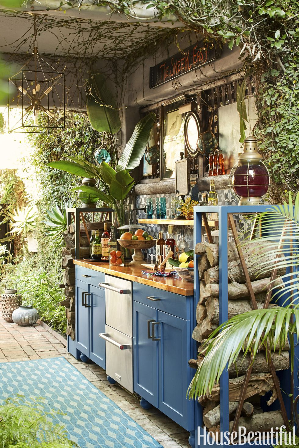 Stunning Earthy Hippy Backyard Kitchen