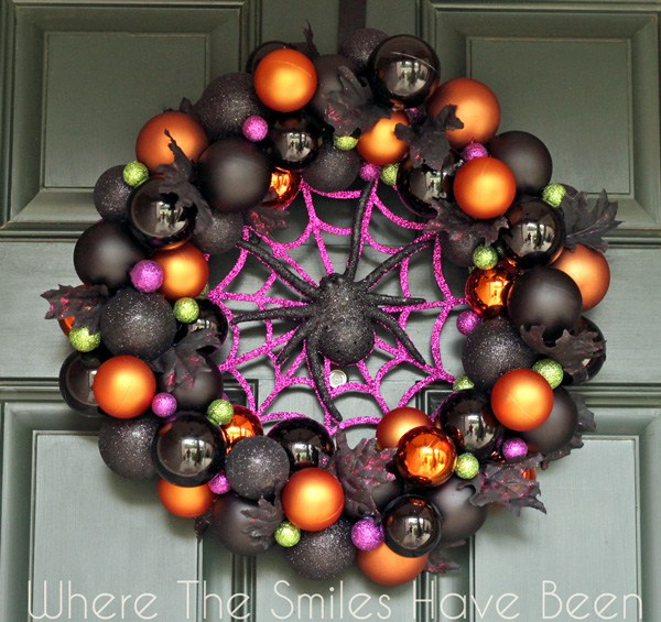 Ornament Halloween Wreath