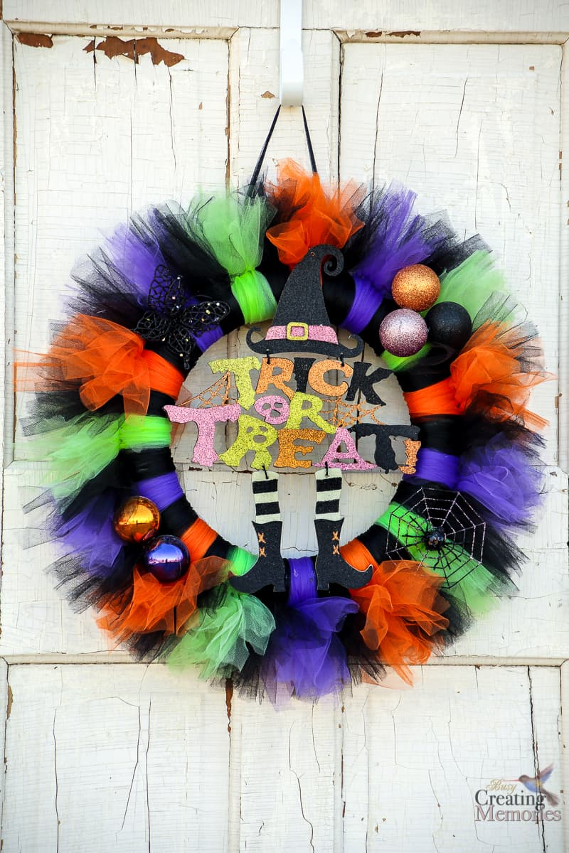Trick or Treat Halloween Wreath DIY