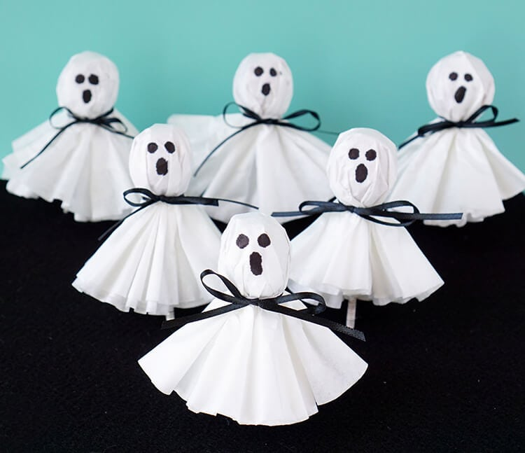 Halloween DIY Coffee Filter Ghosts