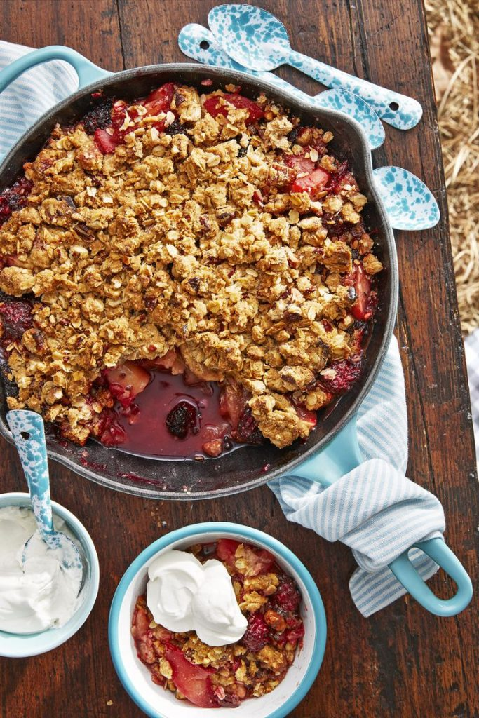 Apple Blackberry Crumble