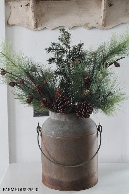 Farmhouse Christmas Decorations