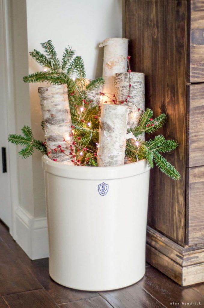 Warm and Cozy Farmhouse Christmas Decorations Arrangement