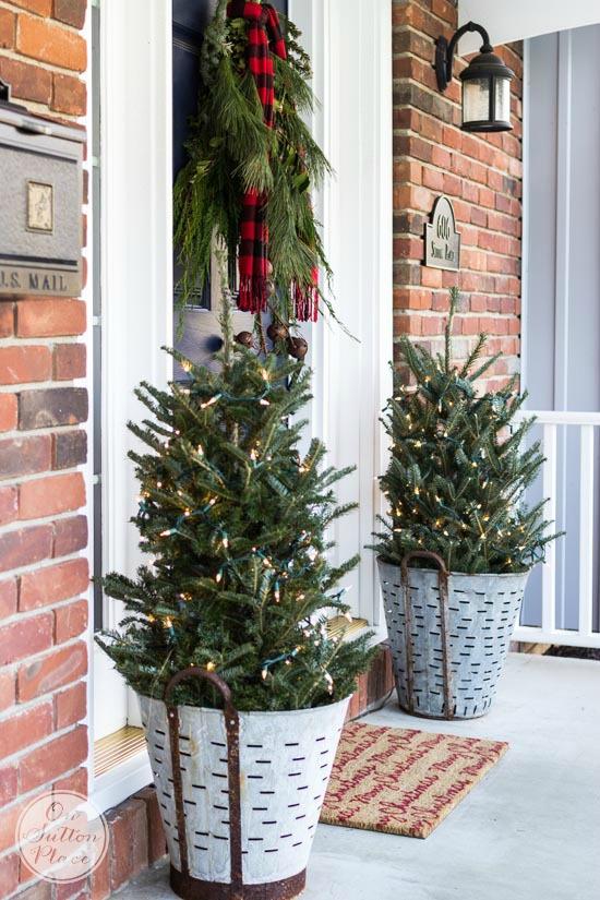 Festive Frugal Christmas Porch Decor