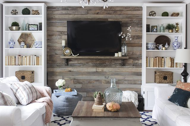 Wood Pallet Accent Wall DIY