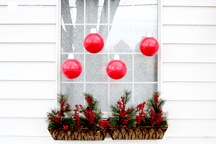 Cheap and Easy Giant Christmas Ornaments