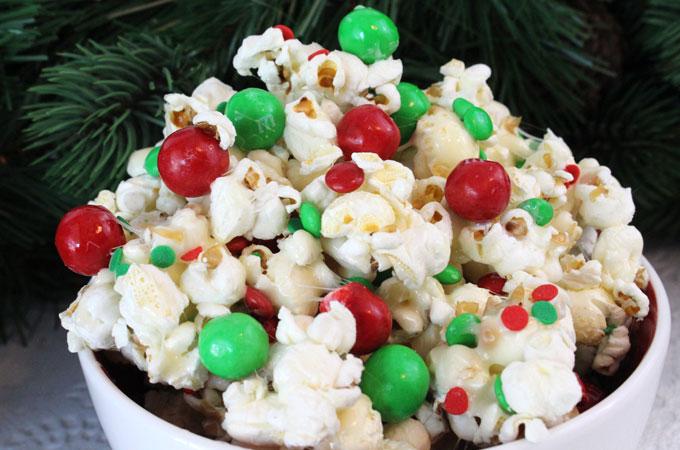 Santa Crunch Popcorn