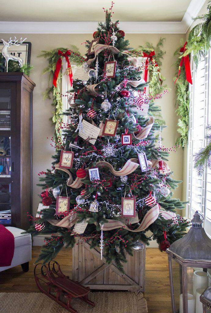 Classic Farmhouse Christmas Tree Decor
