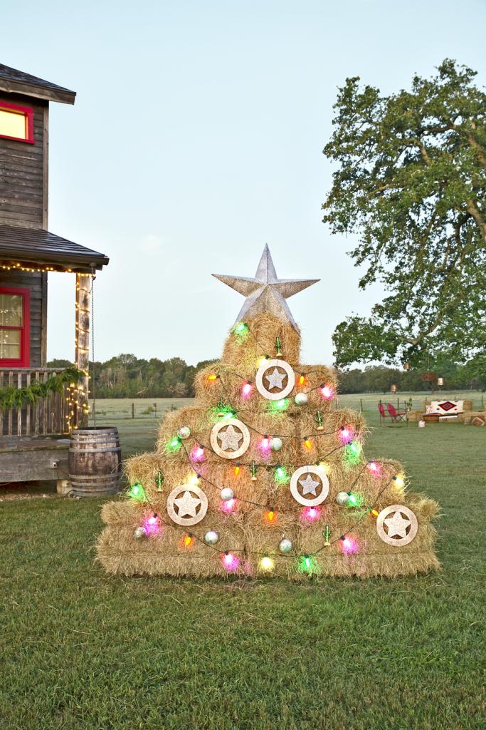 Hay Bale Tree Front Yard Christmas Decor DIY