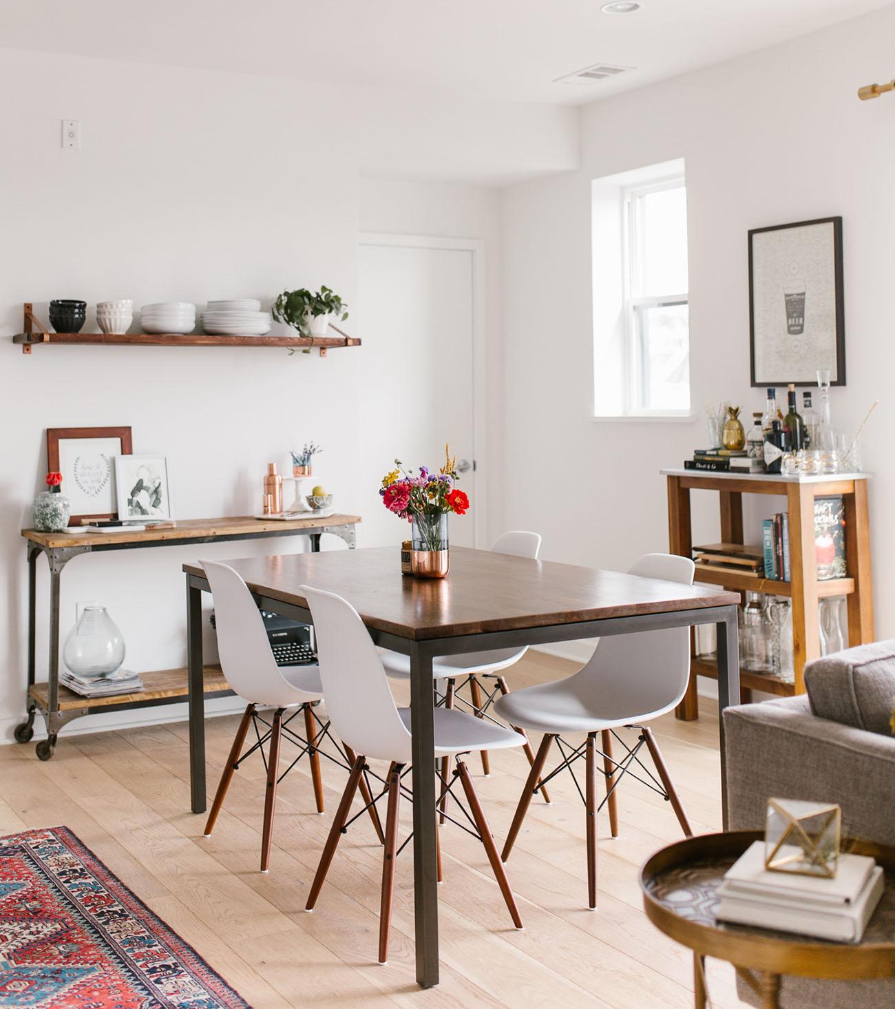 10 Mid-Century Modern Home Interiors