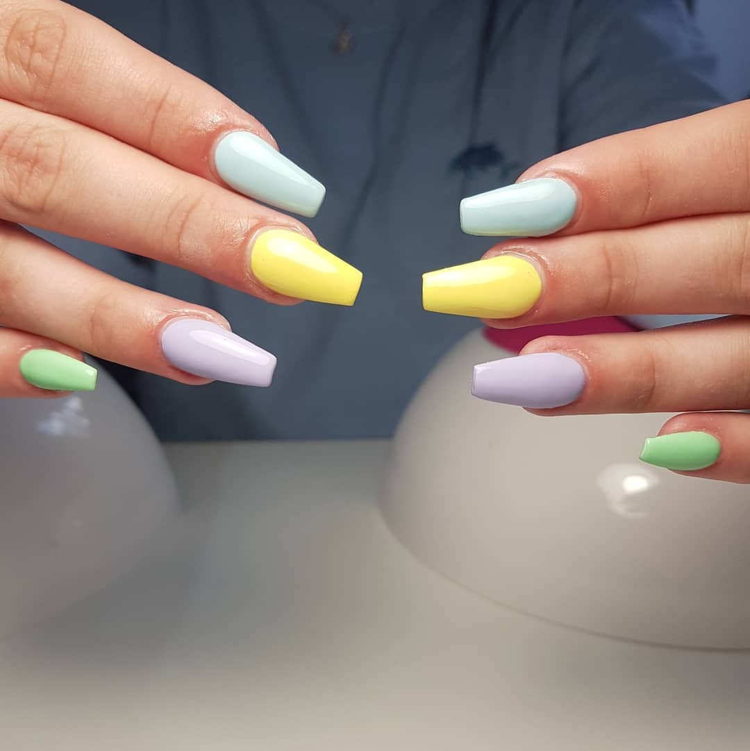 Pastel Crayon Nails