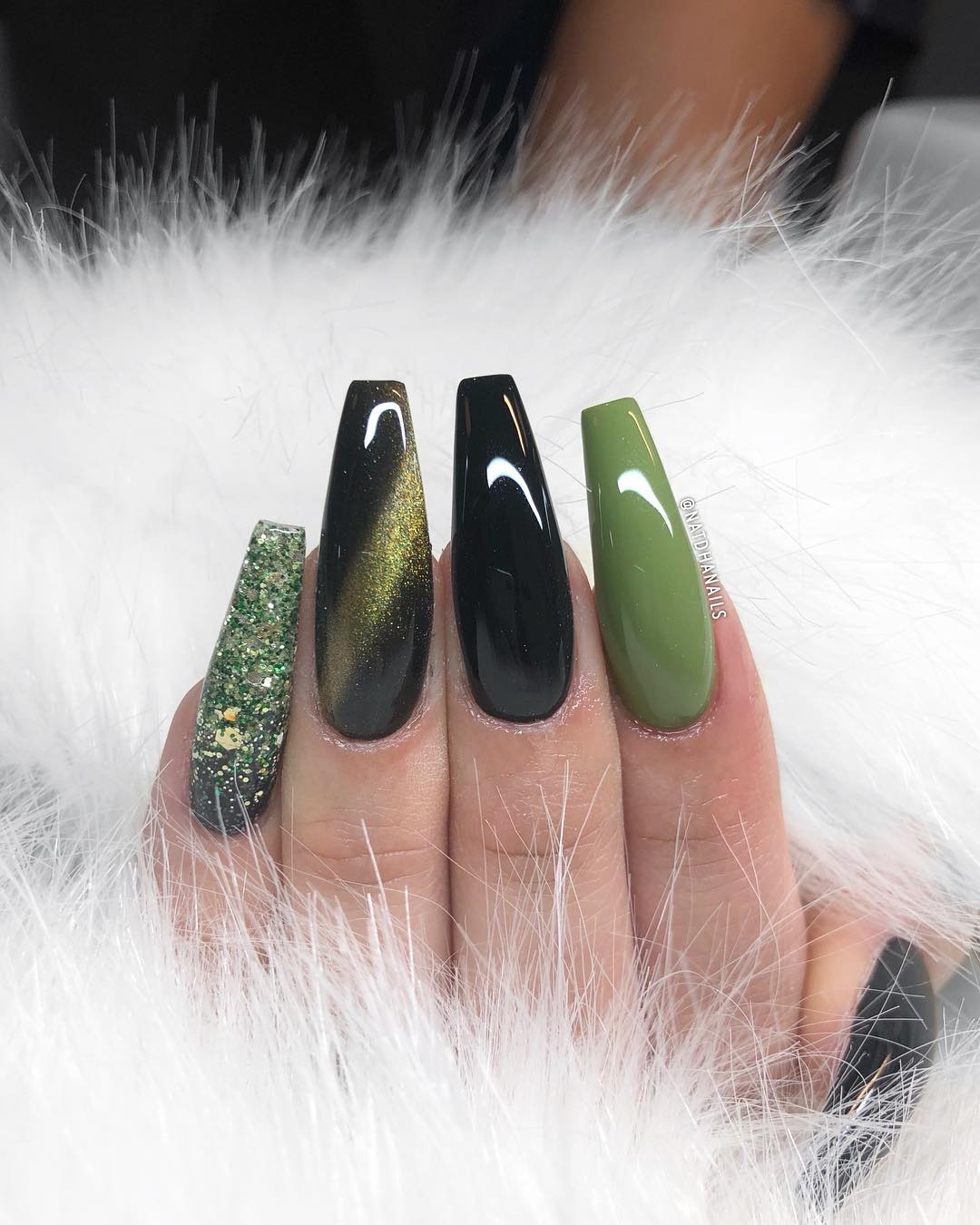 Hunter Queen Green Coffin Nails