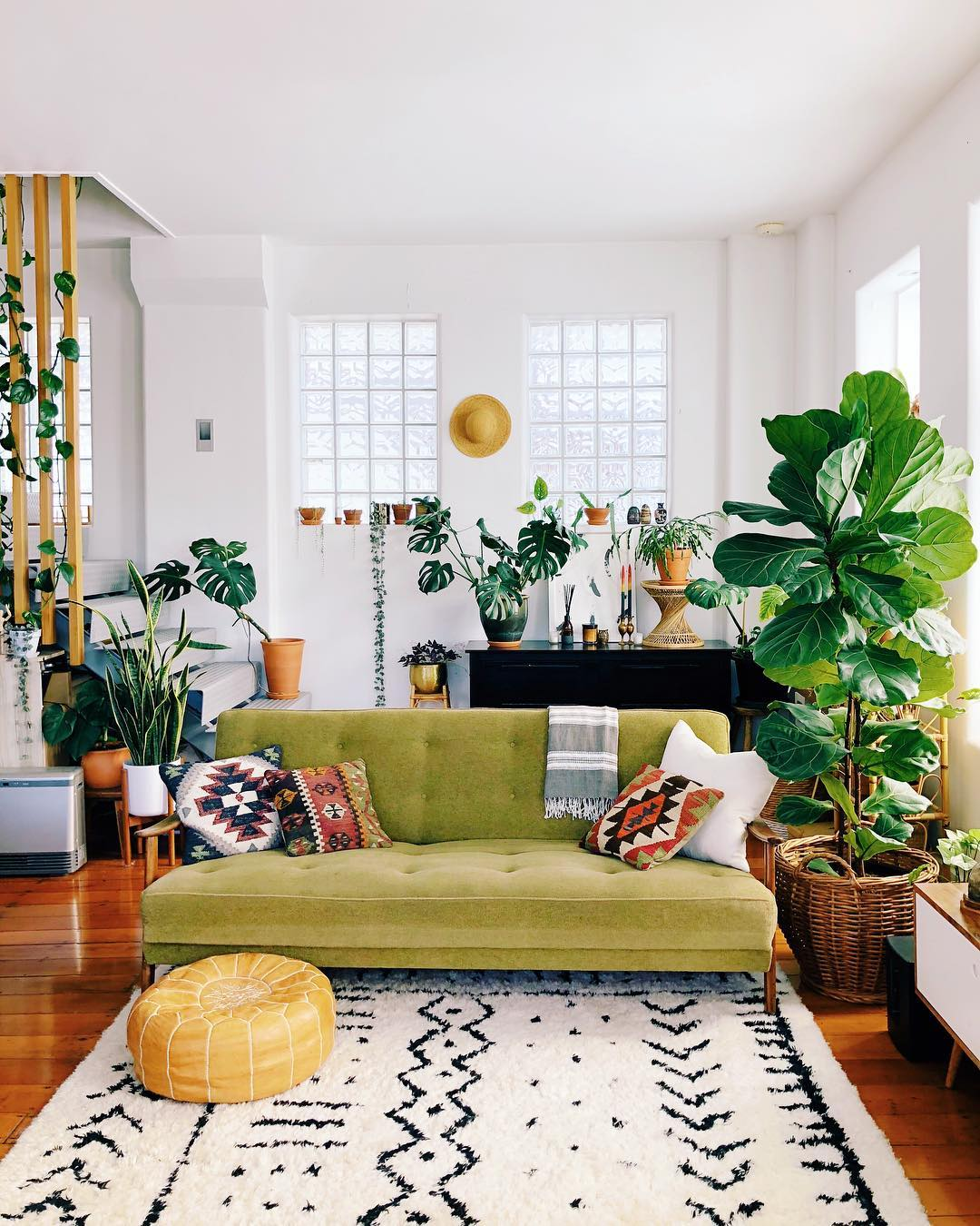 Low Furniture for Small Living Rooms