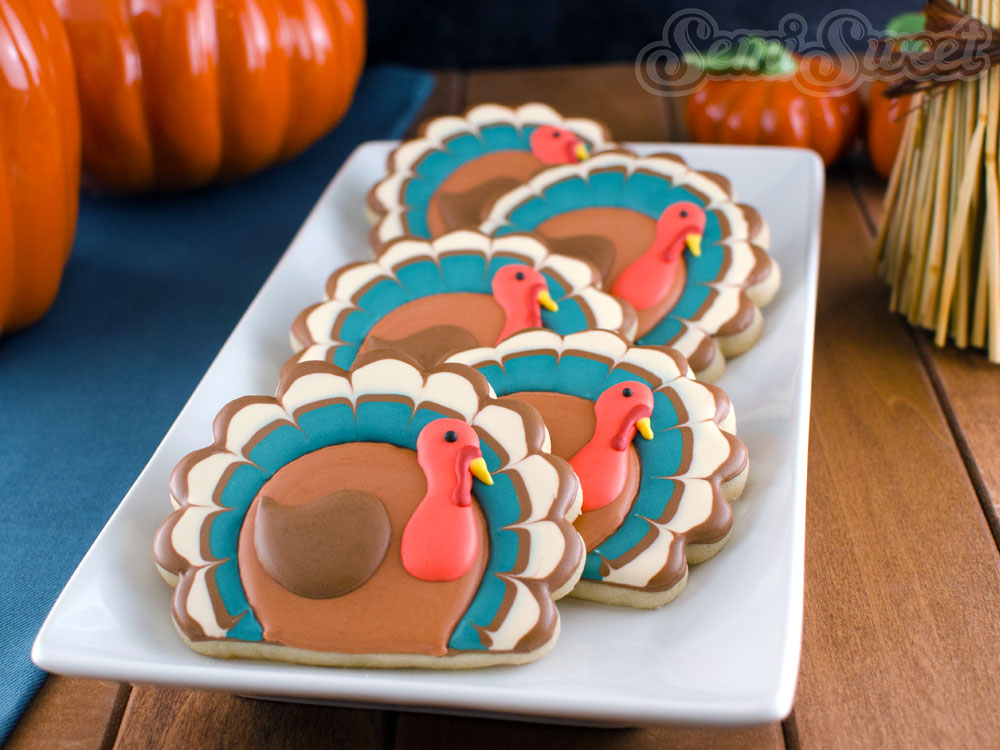 Simple and Easy to Make Thanksgiving Turkey Decorated Cookies