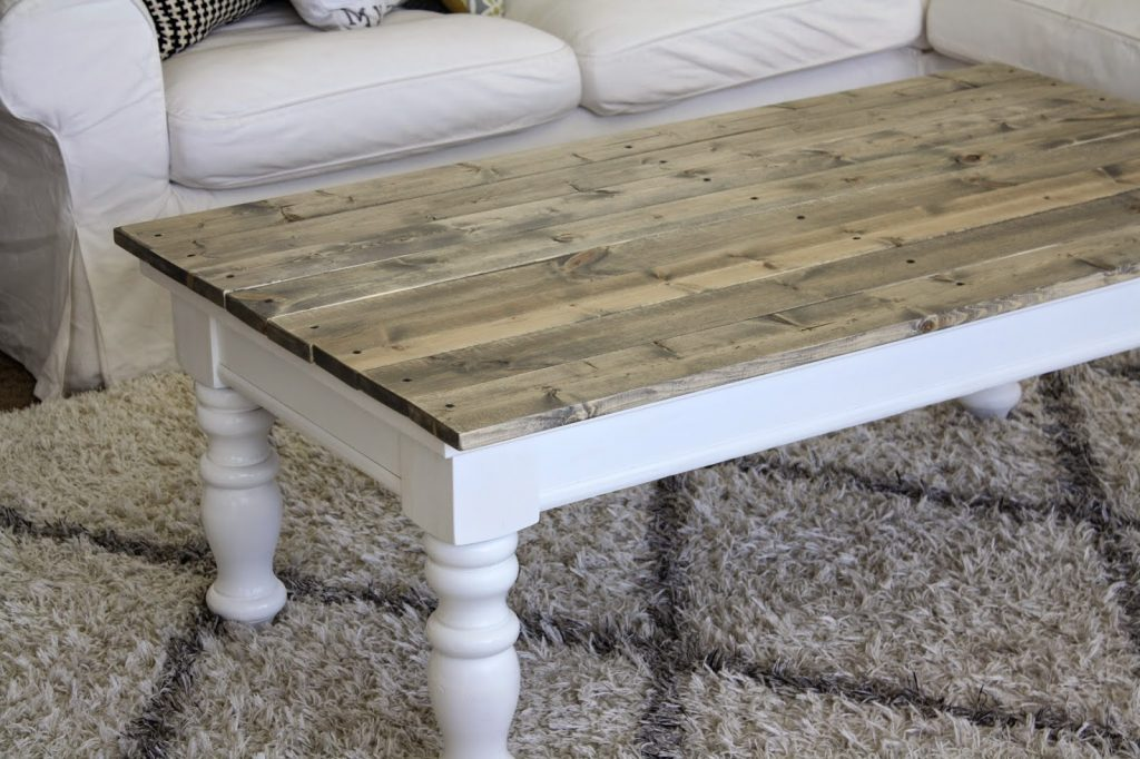DIY Pallet Farmhouse Coffee Table