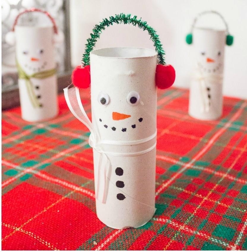 paper roll snowmen